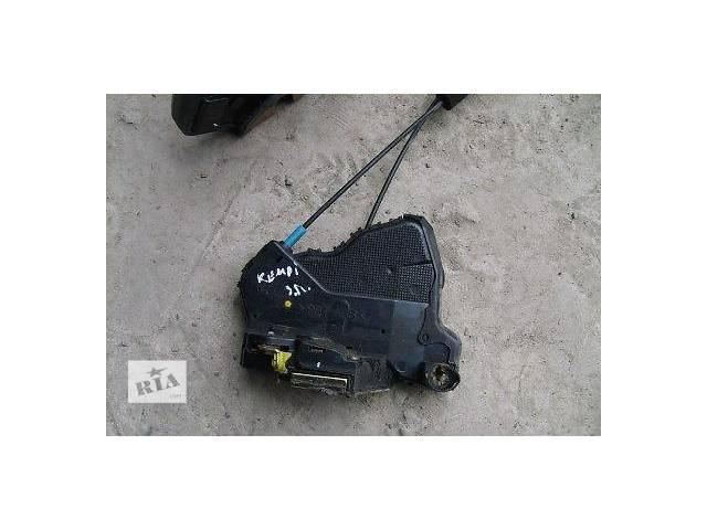 продам б/у Двери/багажник и компоненты Замок двери Легковой Toyota Camry 2002 бу в Луцке