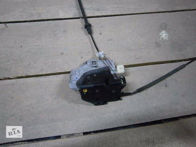 продам б/у Двери/багажник и компоненты Замок двери Легковой Volkswagen Passat 2008 бу в Луцке
