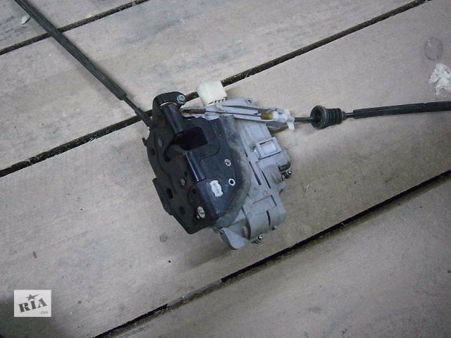 бу б/у Двери/багажник и компоненты Замок двери Легковой Volkswagen Passat 2008 в Луцке