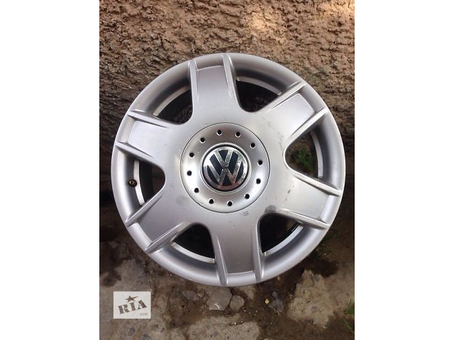купить бу Б/у диск для легкового авто Volkswagen  2004 в Староконстантинове