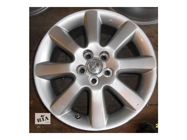 купить бу Б/у диски на Toyota Avensis в Киеве