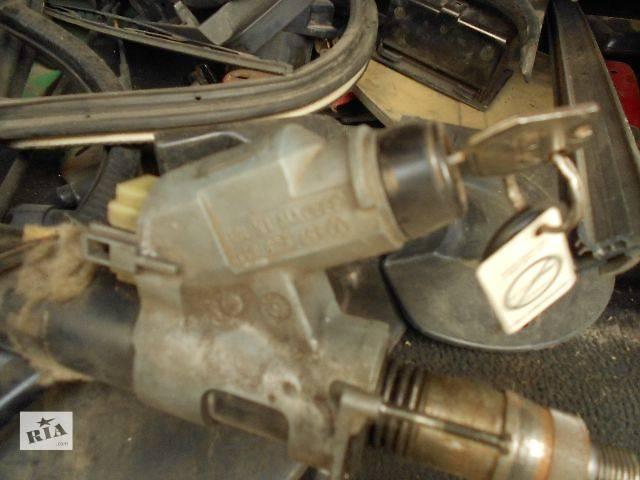 бу б/у Електрообладнання двигуна Замок загорання/контактна група Легковий Volkswagen Passat (все) 1991 в Чопе