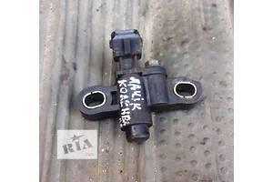 б/у Датчик коленвала Mazda 121
