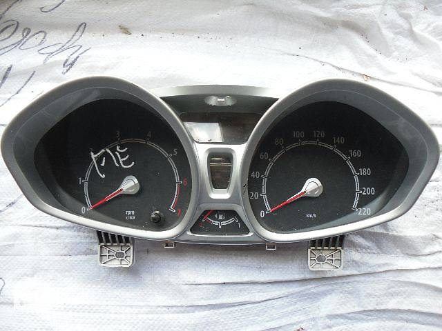 продам Б/у панель приборов/спидометр/тахограф/топограф для легкового авто Ford Fiesta New бу в Кривом Роге (Днепропетровской обл.)