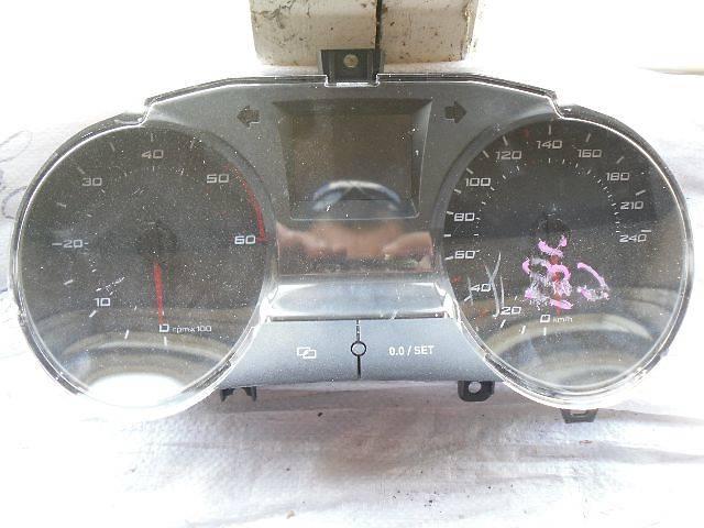 купить бу б/у Электрооборудование двигателя Панель приборов/спидометр/тахограф/топограф Легковой Seat Ibiza 2012 в Кривом Роге