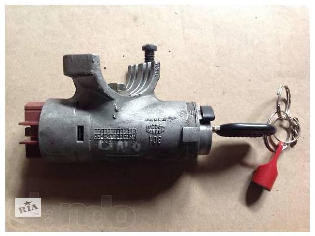 бу б/у Электрооборудование двигателя Замок зажигания/контактная группа Легковой Fiat Uno в Буче