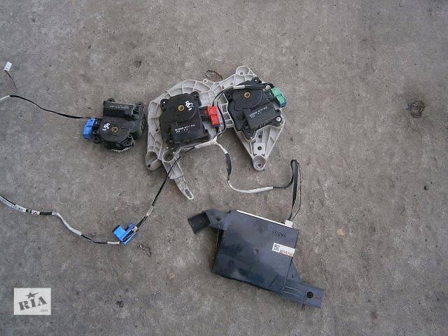 купить бу б/у Электрооборудование кузова Блок управления заслонками печки Легковой Toyota Camry 40 в Луцке