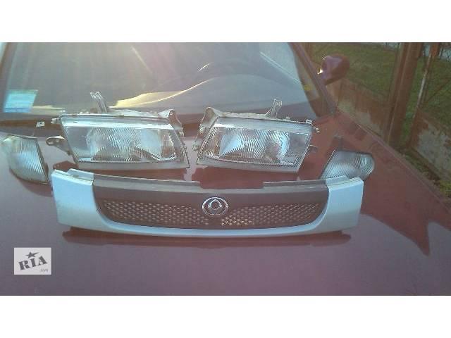 бу Б/у Электрооборудование кузова Фара Легковой Mazda 323 Хэтчбек 1997 в Львове