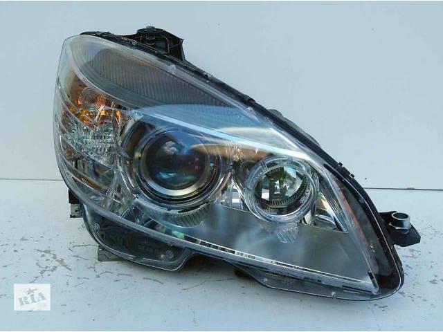 продам б/у Електрообладнання кузова Фара Легковий Mercedes C-Class Седан 2007 бу в Чернівцях
