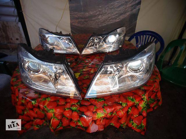 купить бу б/у Электрооборудование кузова Фара Легковой Skoda Octavia A5 Седан 2012 в Полтаве