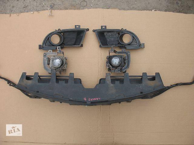 продам б/у Электрооборудование кузова Фара противотуманная Легковой Mitsubishi Lancer 2005 бу в Луцке