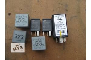 б/в Реле освітлення панелі приладів Volkswagen Touareg