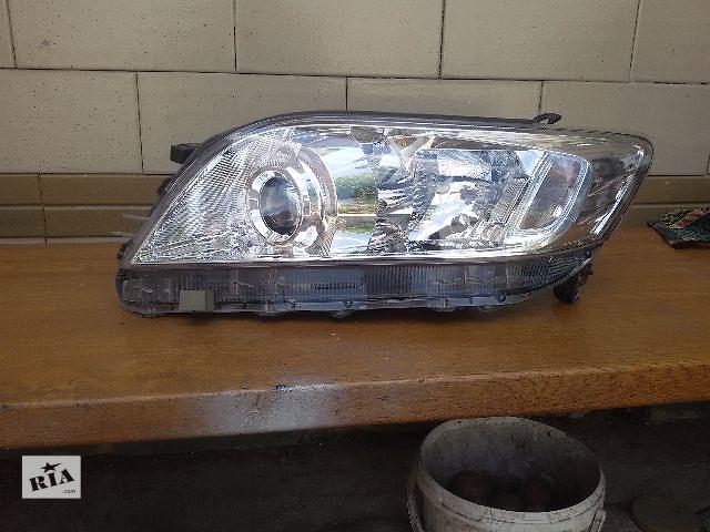 купить бу Б/у фара для 2010-12 год б.у оригинал Toyota Rav 4 2011 в Броварах