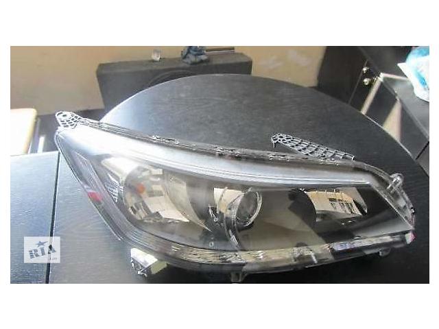 купить бу Б/у фара правая на Honda Accord 2008-2012 года в Киеве