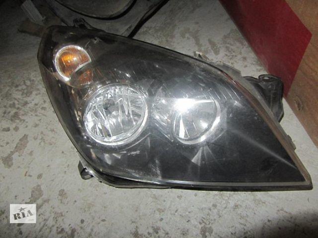 купить бу Б/у фара правая на Opel Astra H 2006 года в Киеве