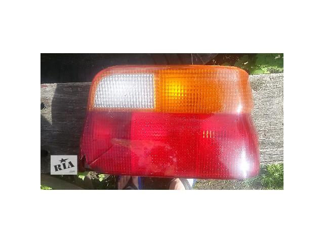 купить бу Б/у фонарь задний для седана Ford Еscort 1992 в Бориславе