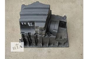 б/у Повітряний фільтр Volkswagen T5 (Transporter)
