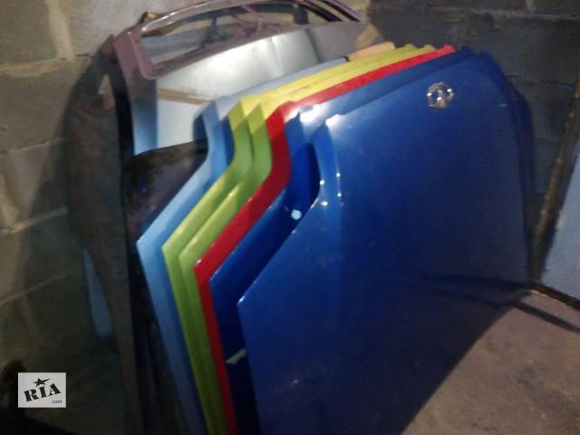 продам Б/у капот для легкового авто Chevrolet Aveo T200 бу в Нетешине