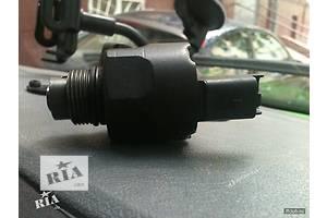 б/у Клапан давления топлива в ТНВД Ford Courier