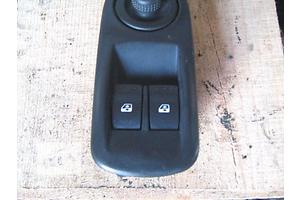 б/в Блоки кнопок в торпеду Renault Trafic