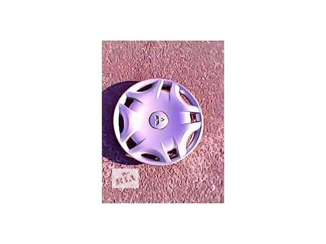 продам б/у Колеса и шины Колпак на диск Легковой Mitsubishi Carisma бу в Харькове