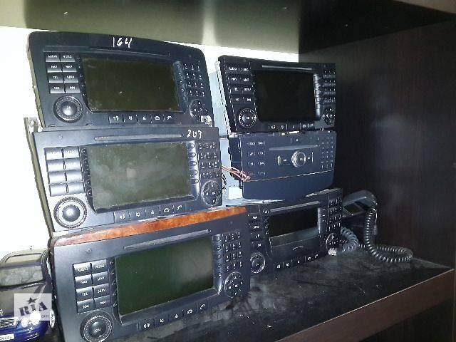 купить бу Б/у Компоненты кузова Автомагнитола Легковой Mercedes E-Class 2004 в Львове