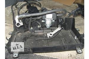 б/в Корпуси під акумулятор Volkswagen Touareg
