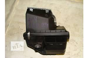 б/у Корпус воздушного фильтра Audi A4