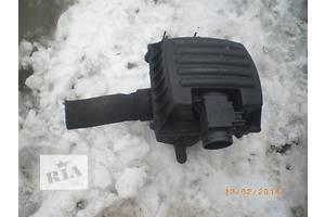 б/у Корпус воздушного фильтра Opel Omega B
