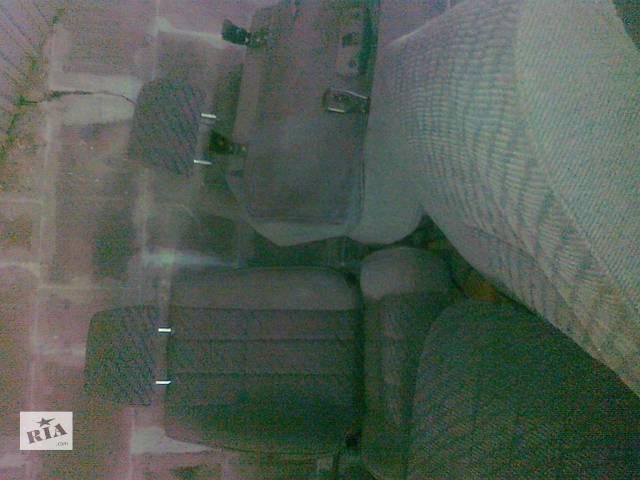 бу Б/у Компоненты кузова Салон Легковой Toyota 4Runner 1994 в Тернополе