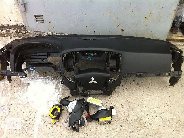 продам б/у Компоненты кузова Система безопасности комплект Легковой Mitsubishi Pajero Wagon Кроссовер 2008 бу в Киеве