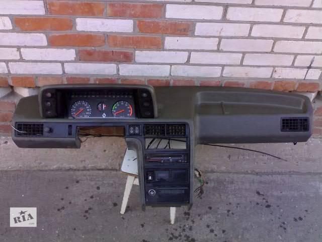 продам Б/у Компоненты кузова Торпедо/накладка Легковой Renault 18 бу в Сумах