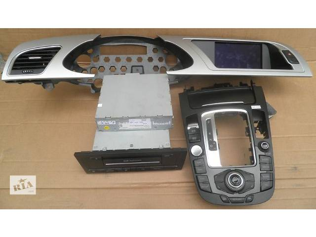 бу Б/у Компоненты кузова Центральная консоль Легковой Audi A4 2012 Audi A4 B8 A5 Q5 MMI 3G GPS в Киеве