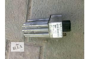 б/у Регуляторы оборотов вентилятора печки BMW 520