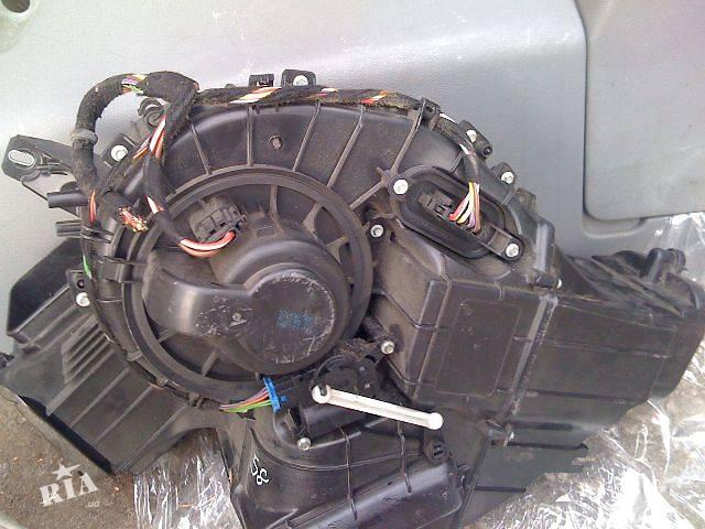 купить бу б/у Кондиционер, обогреватель, вентиляция Компрессор кондиционера Легковой Volkswagen T5 (Transporter) пасс. 2008 в Киеве