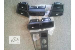 б/у Воздуховоды обдува стекла BMW X5 USA