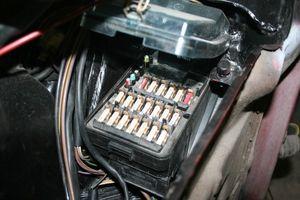 б/у Корпусы блока предохранителей Mercedes 190