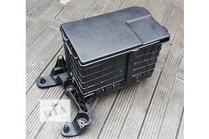 б/у Корпуса под аккумулятор Volkswagen Caddy