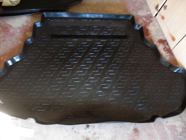 продам Б/у ковёр багажника для легкового авто Toyota Camry 2014 бу в Харькове