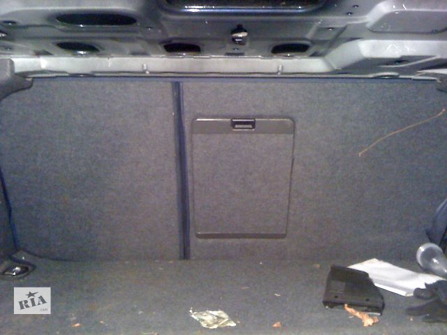 продам Б/у крышка бензобака для седана Audi A6 2000 бу в Киеве