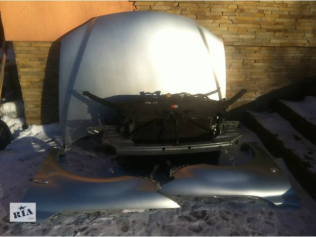 купить бу Б/у капот для седана Mazda 6 2005 в Львове