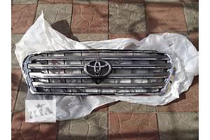 б/у Решётка радиатора Toyota Land Cruiser 200