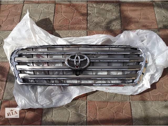 купить бу Б/у решётка радиатора для универсала Toyota Land Cruiser 200 в Киеве