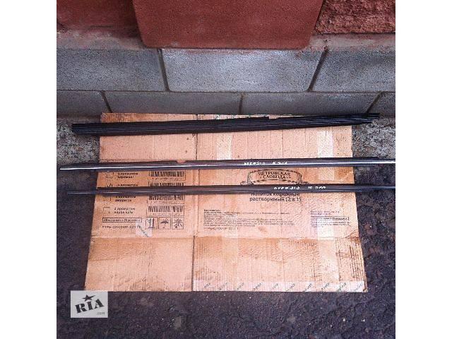 б/у  Молдинг двери на Toyota Avensis Седан 2006- объявление о продаже  в Ровно