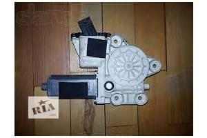 б/у Моторчики стеклоочистителя Opel Omega A