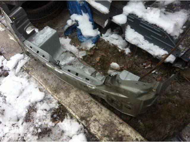 продам б/у  Панель задняя на Toyota Avensis Sedan бу в Ровно
