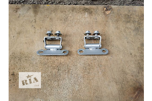 б/у Петли крышки багажника Toyota Auris