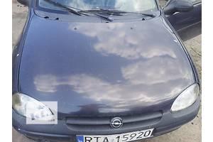 б/у Пластик под лобовое стекло Opel Corsa