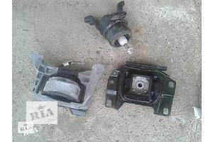 б/у Подушка АКПП/КПП Mazda 323