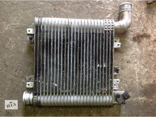 купить бу Б/у радиатор интеркуллера для легкового авто Hyundai Santa FE 2008 в Ровно